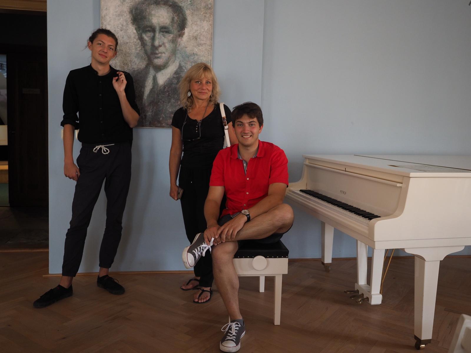 Bohuslav Martinů zatím mlčí